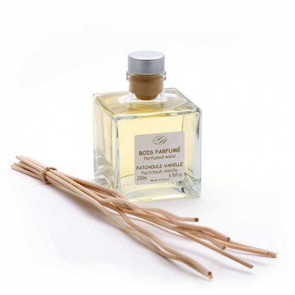 Pálcás illatosító diffúzor 200ml - Pacsuli-Vanília illat,  Savonnerie de Bormes